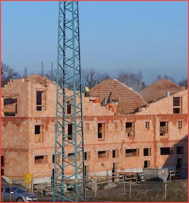Praca na wysokości powyżej 3 metrów na budowie